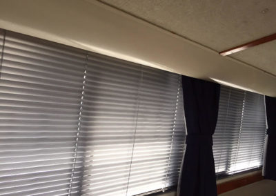Yacht Blinds Closed White