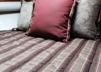 Yacht Bedding Grey and Red Fine Stripes
