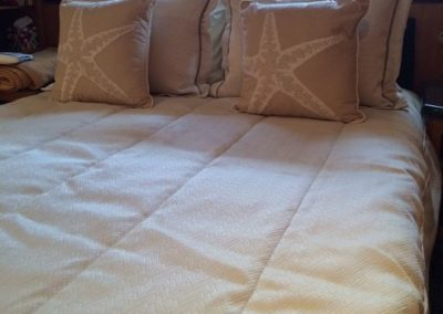Yacht Bedding White with Pink Sea Star Pillows